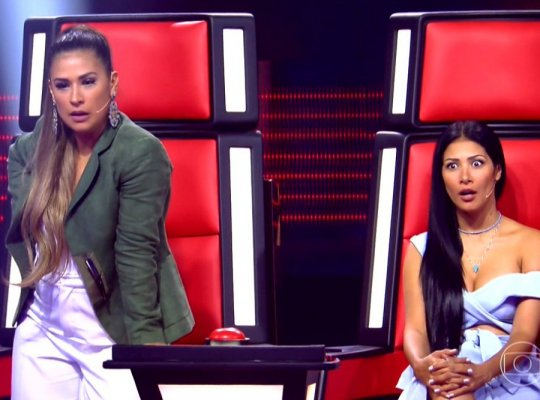 Simone e Simaria roubam a cena no The Voice Brasil Kids