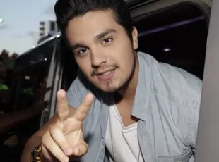 Luan Santana é o cantor sertanejo mais popular do Facebook