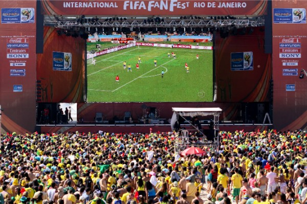 Fan Fests durante a copa com sertanejos