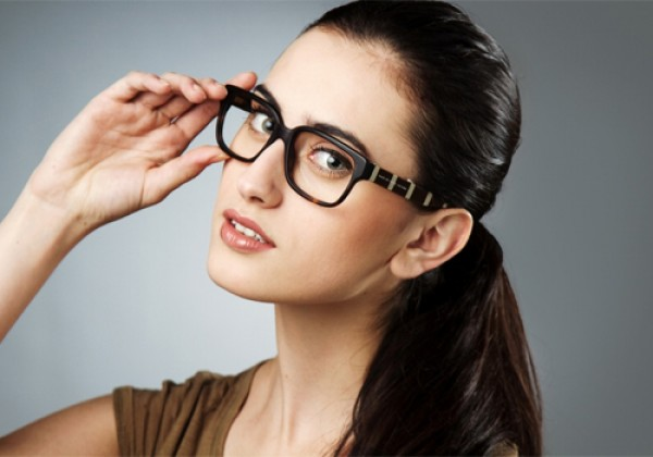 c16f03ceb Super Dica – Óculos de grau ideal para cada formato de rosto - Rádio ...