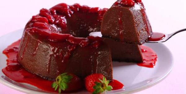 Receita de Pudim de chocolate com morango